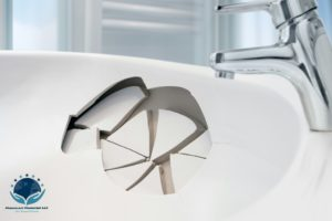 "Alt=""chipped-porcelain-bathtub-needing-porcelain-tub-chip-repair"""
