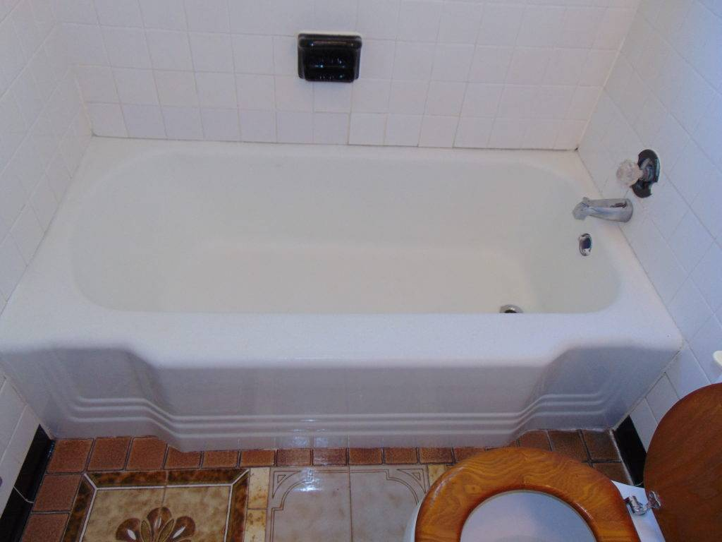 dull-white-before-bathtub-refinishing-tricities-tn
