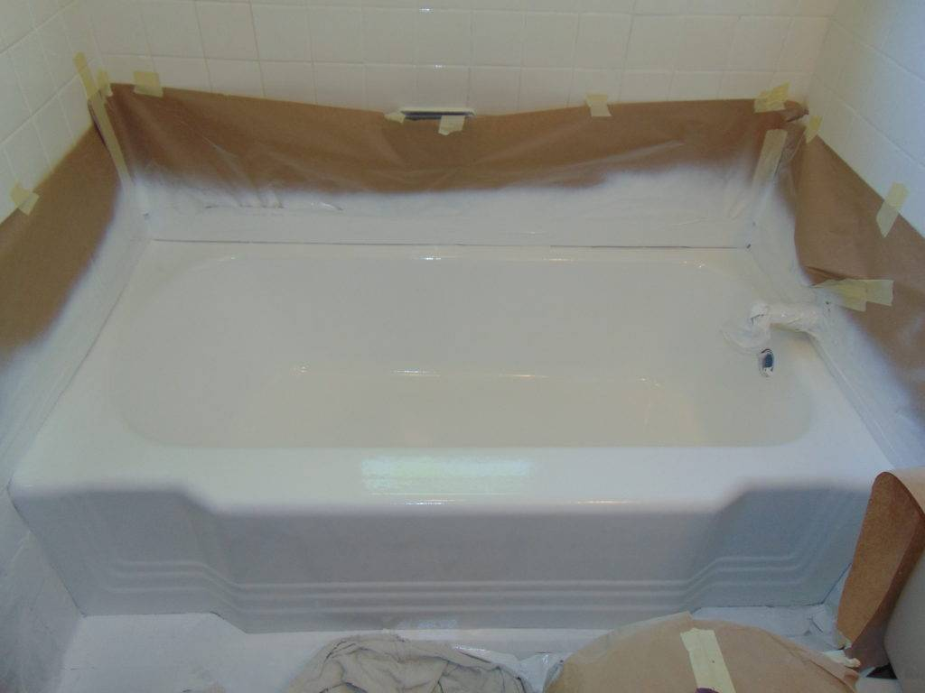 glossy-white-after-bathtub-refinishing-tricities-tn