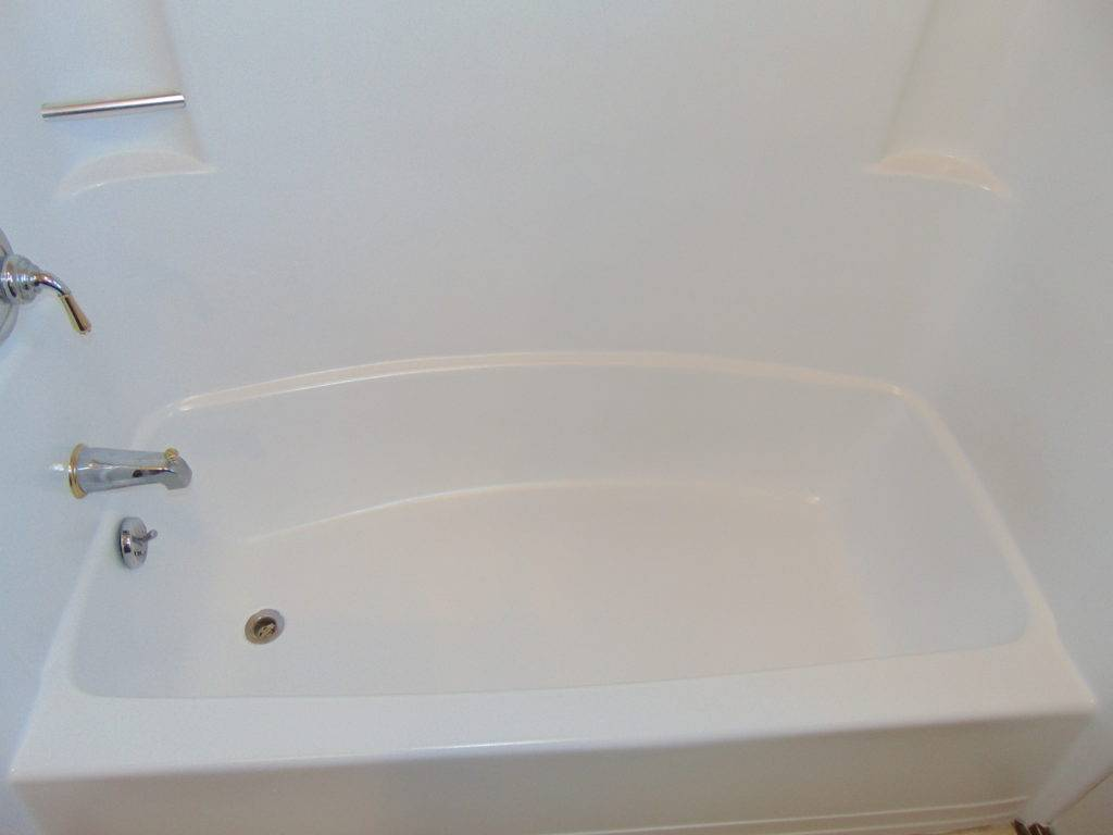 one-piece-bathtub-refinishing-tricities-tn