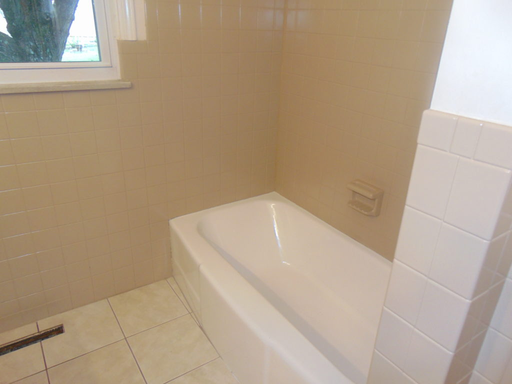 after-full-bathroom-refinishing-tricities-tn