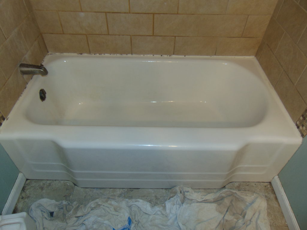 before-bathtub-refinishing-church-hill-tn