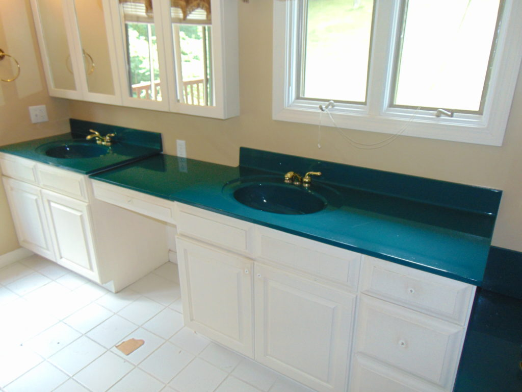 before-bathroom-vanity-top-refinishing-tricities-tn