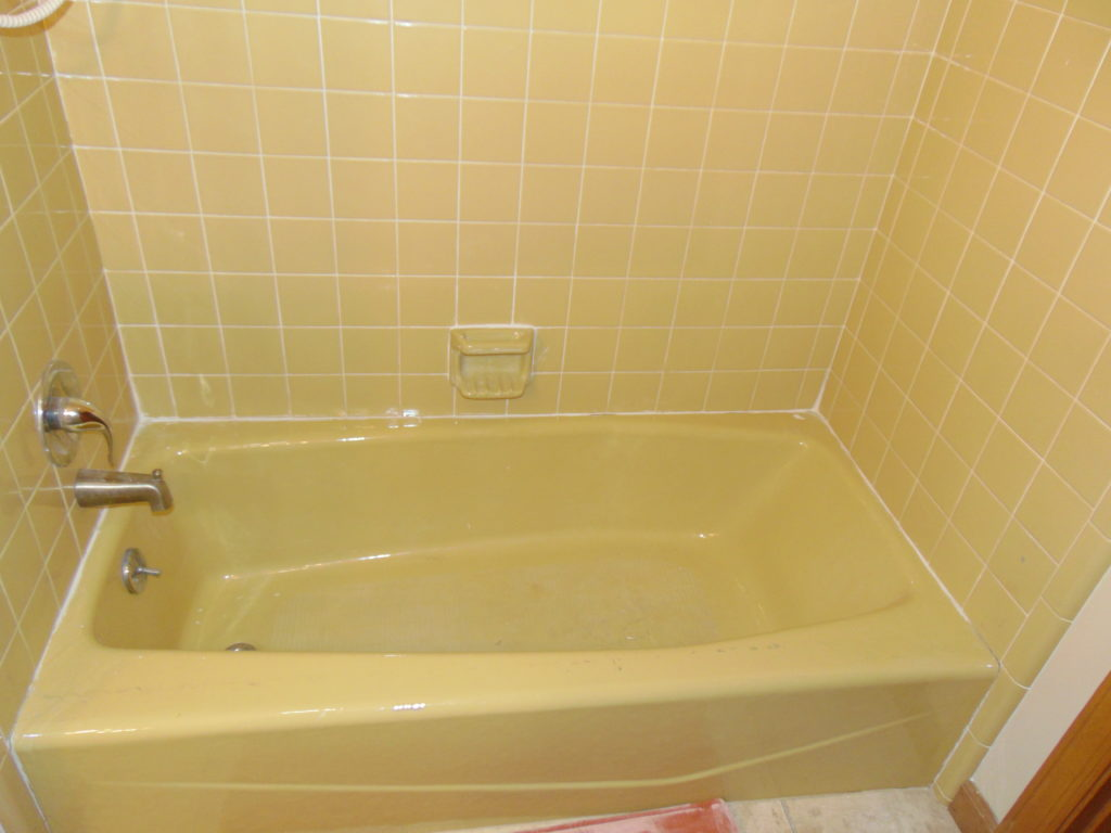 before-bathtub-refinishing-bristol-virginia
