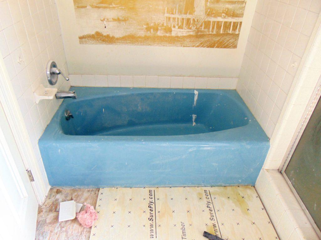 before-bathtub-refinishing-kingsport-tn