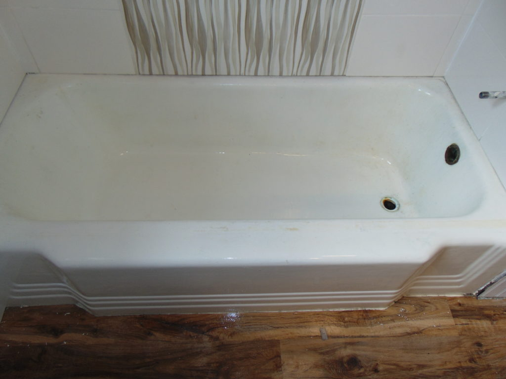 before-bathtub-refinishing-telford-tn