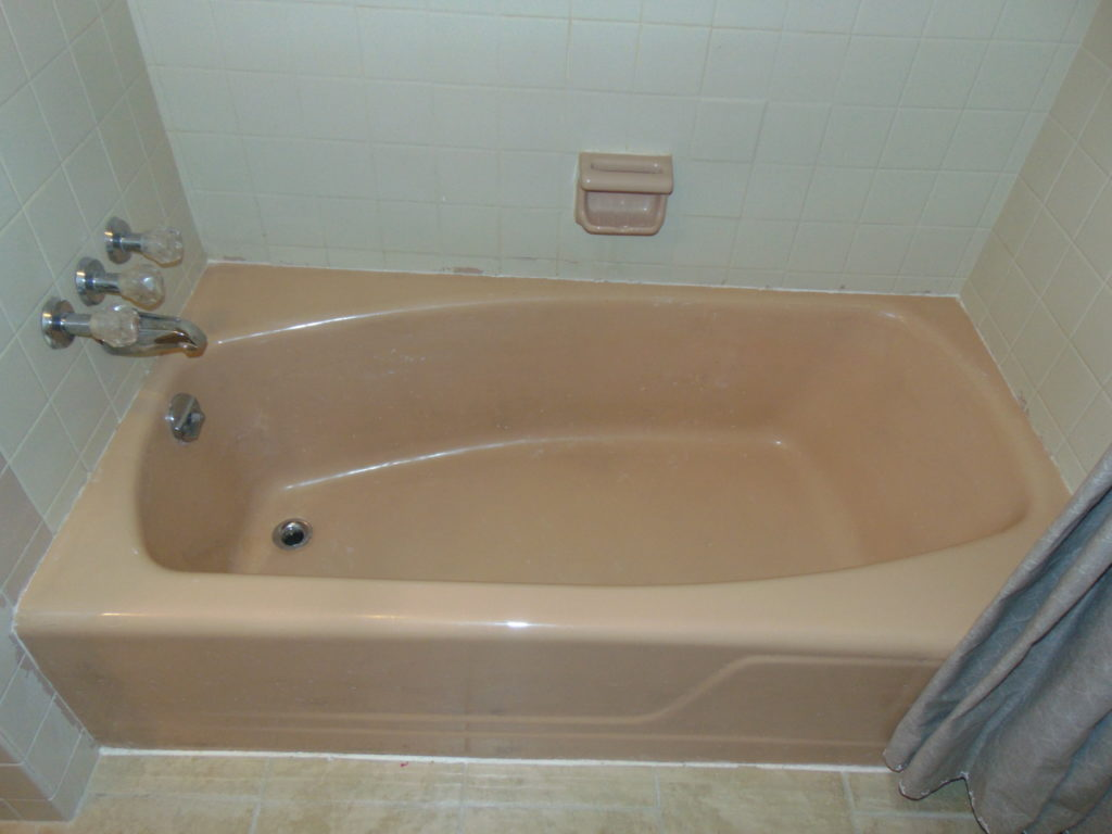 before-pink-bathtub-refinishing-tricities-tn