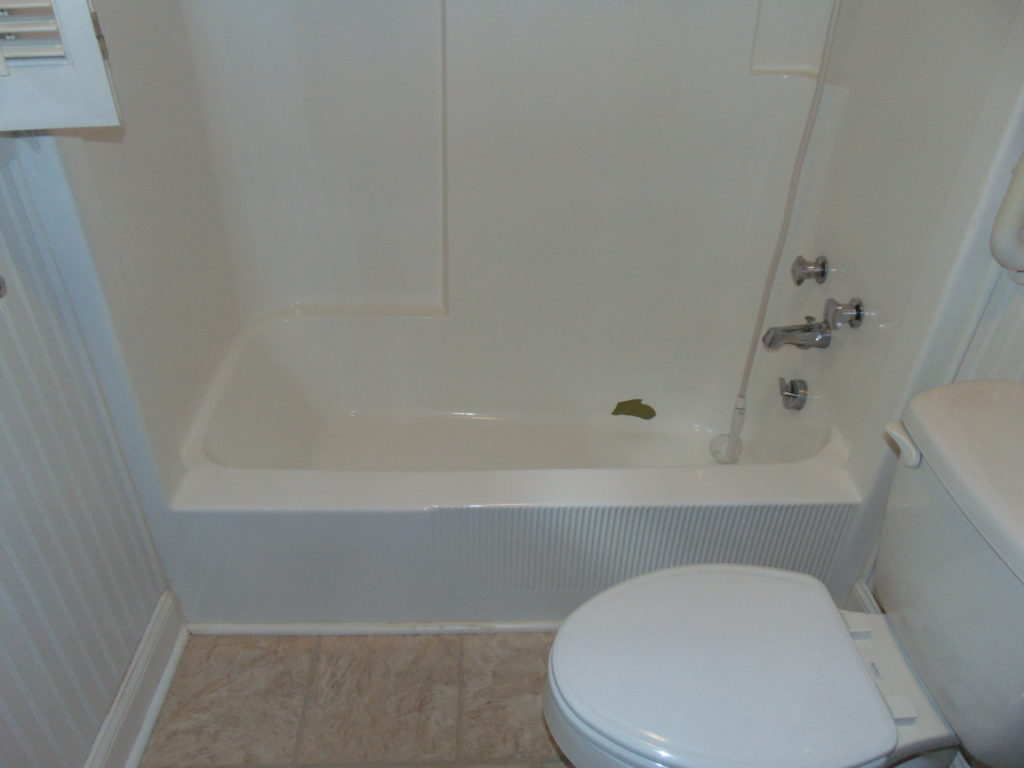 before-tub-cut-out-for-elderly-tricities-tn