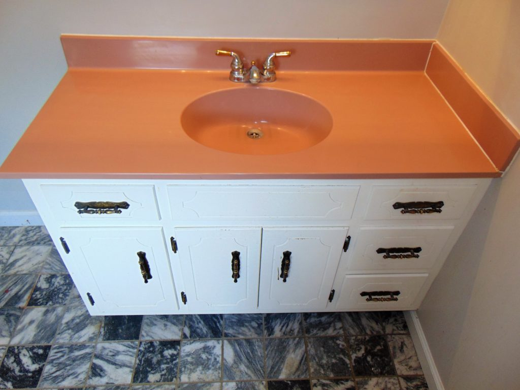 before-vanity-top-refinishing-tricities-tn
