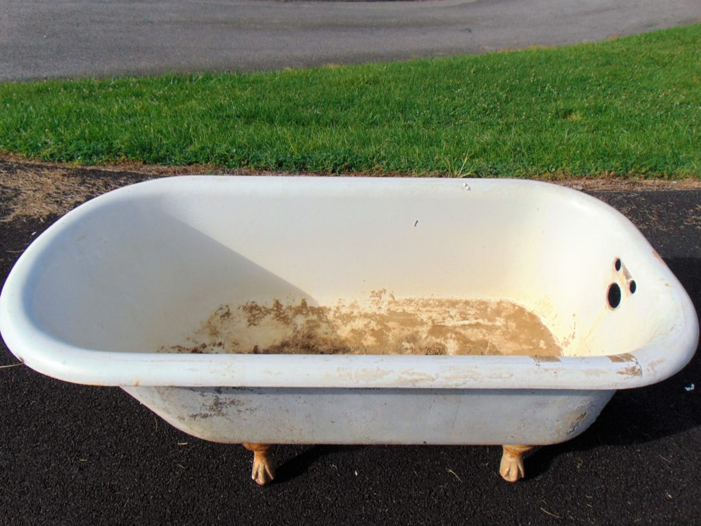 before-clawfoot-bathtub-refinishing-tricities-tn