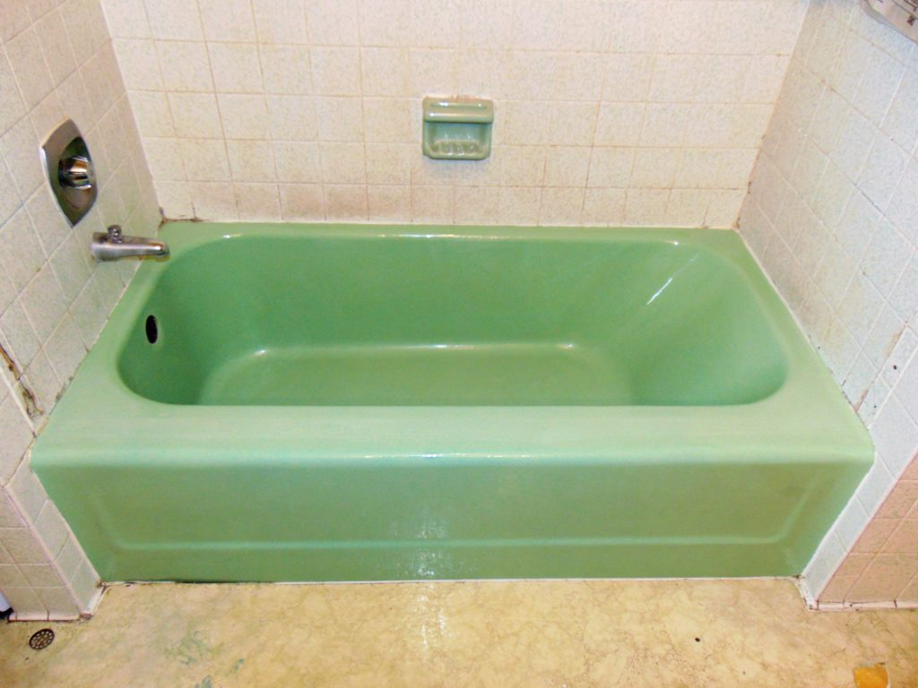 before-bathtub-refinishing-elizabethton-tn
