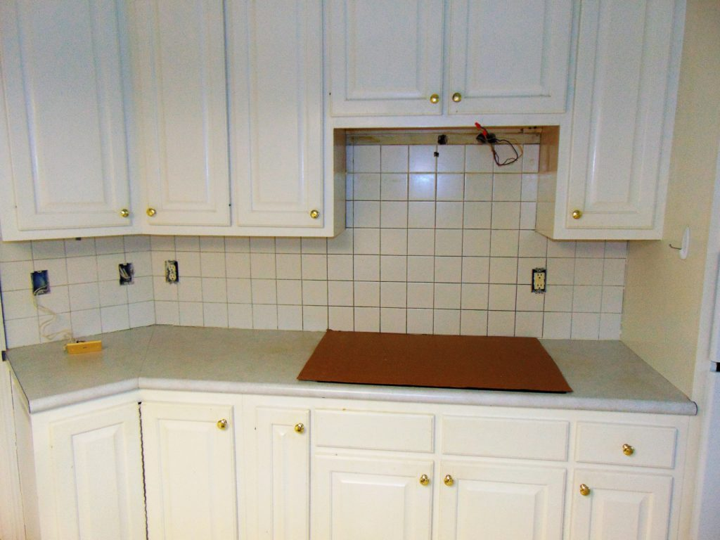 before-kitchen-backsplash-refinishing-tricities-tn