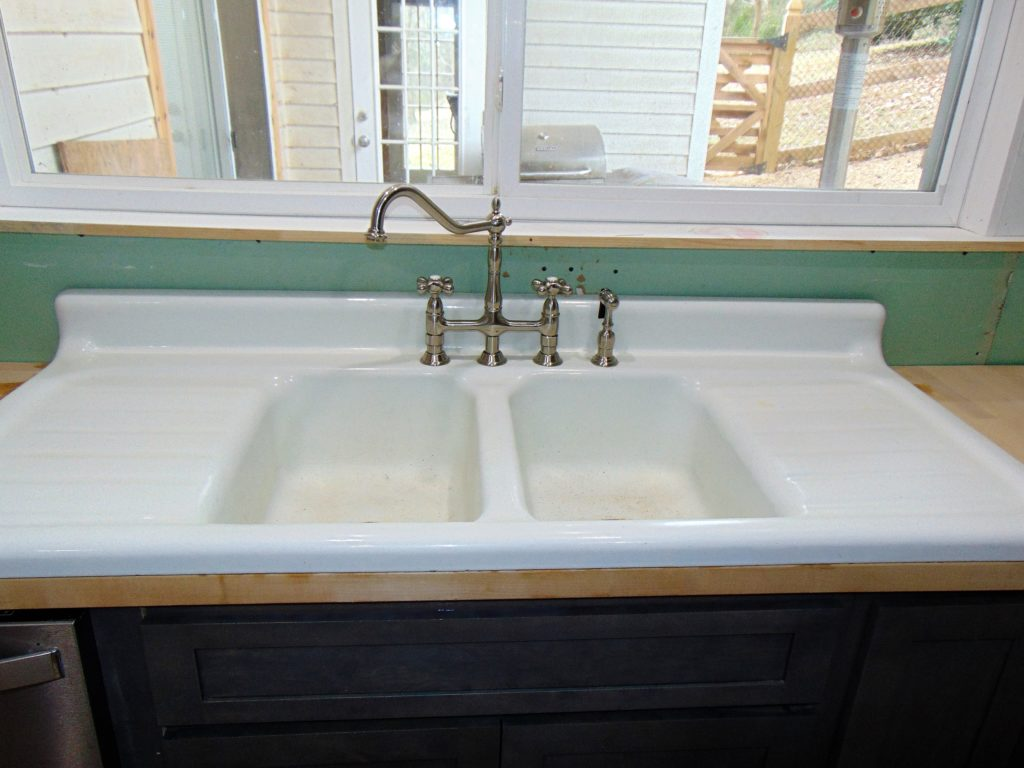 before-kitchen-sink-refinishing-johnson-city-tn