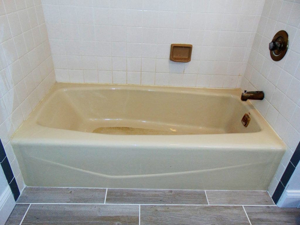bristol-va-bathtub-refinishing-before
