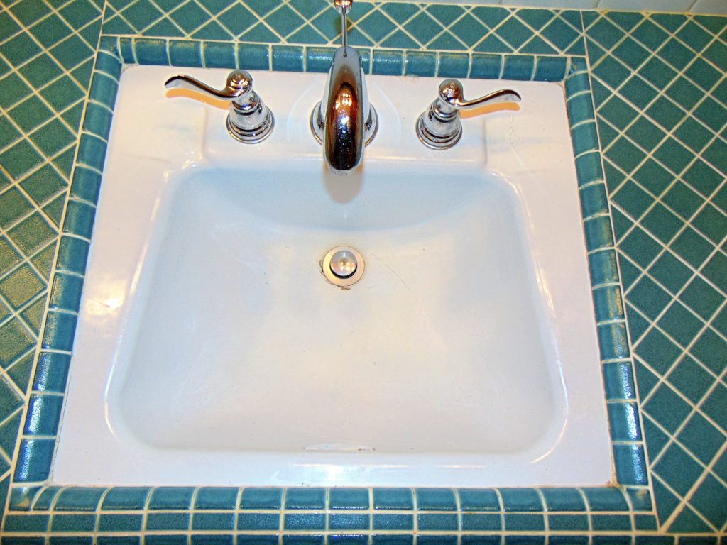 before-bathroom-sink-refinishing-whipporwill-circle-bristol-tn