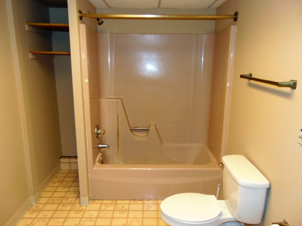 before-bathtub-refinishing-elizabethton-tn-tub-shower-combo