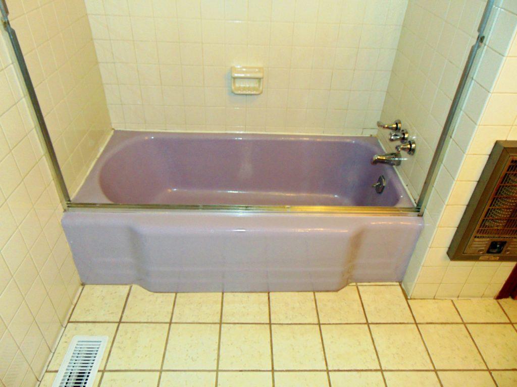before-bathtub-refinishing-green-valley-lane-elizabethton-tn