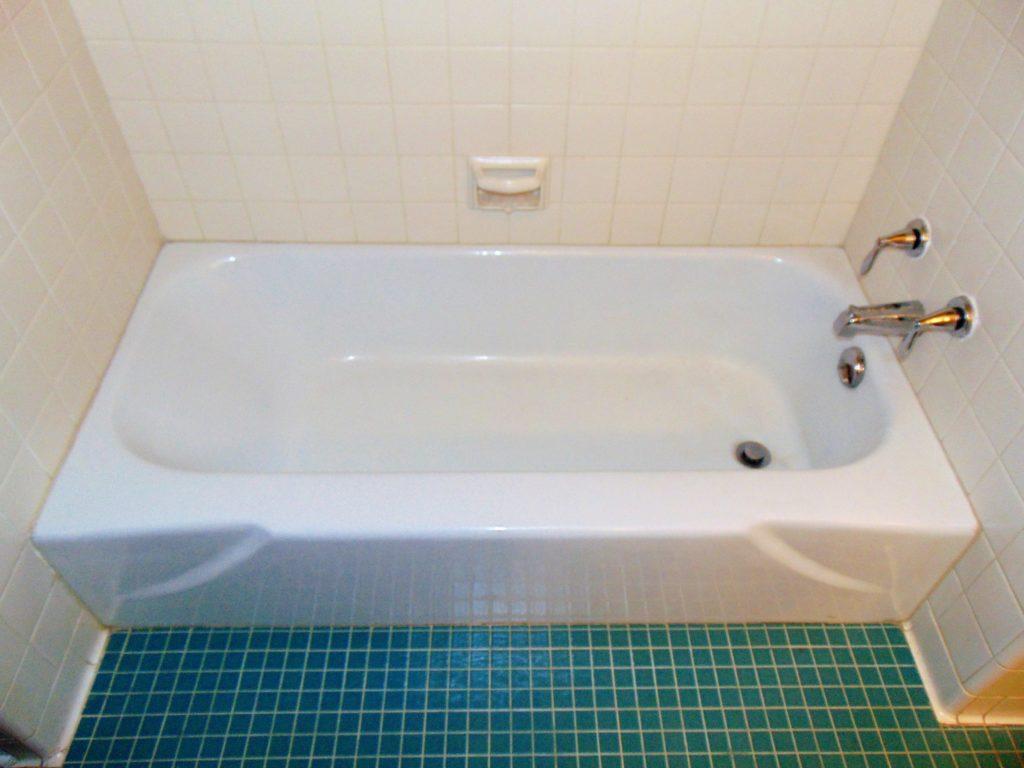 before-bathtub-refinishing-whipporwill-circle-bristol-tn